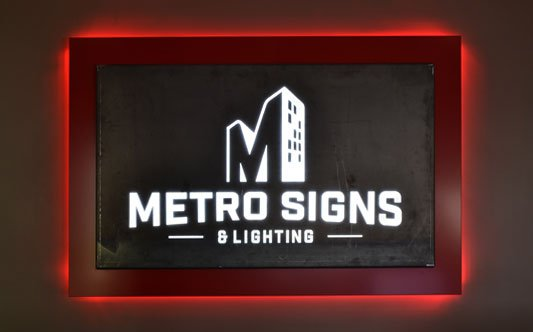 Metro Signs Frontdesk