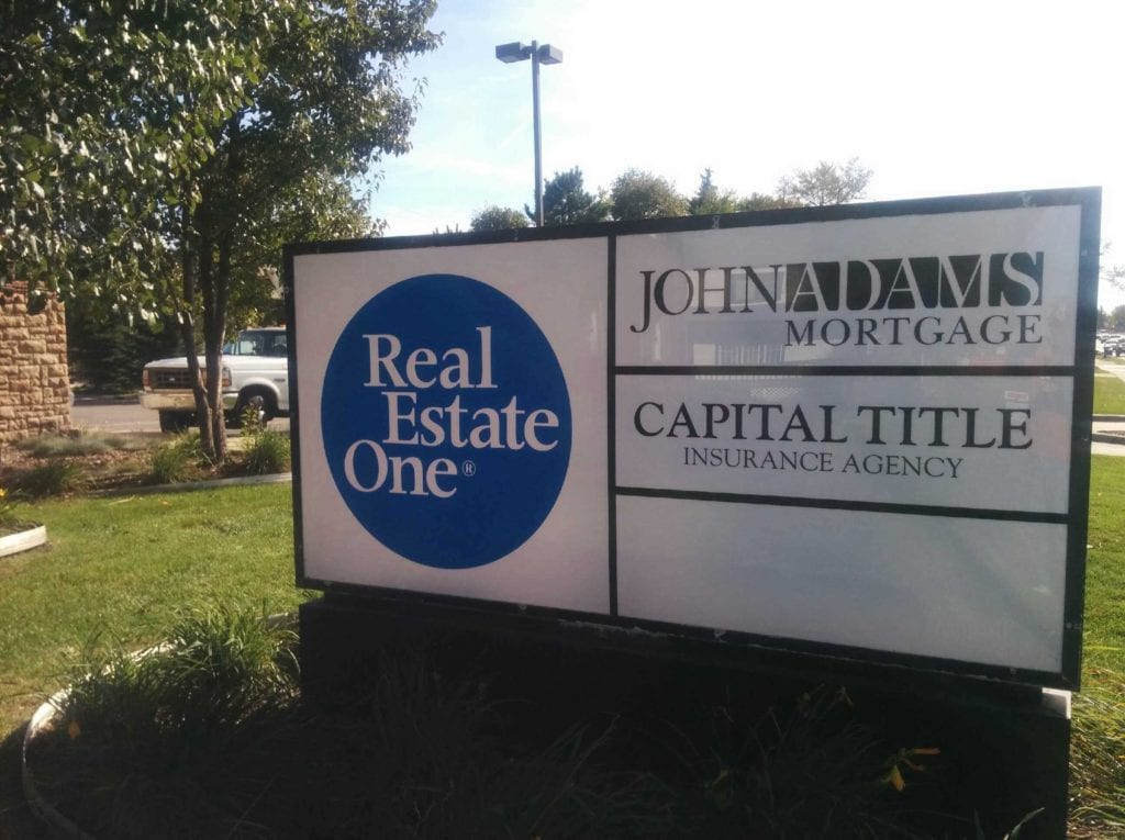 Real Estate One, Multi-tenant, Monument Sign