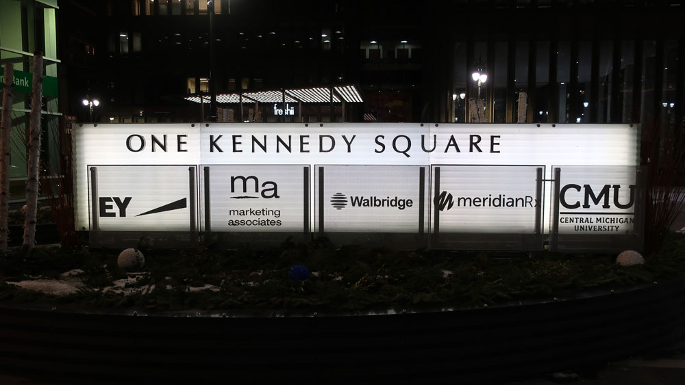 One Kennedy Square- Night View Monument Downtown Detroit Lit Monument